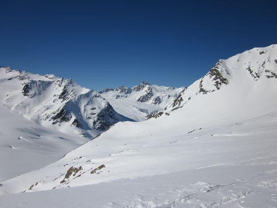 Traumhaft schöne Winter Landschaft in den Alpen - Berge in Österreich / Tirol