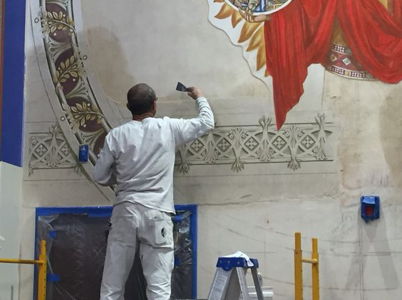 Ian Hardwick cutting out giornata. Second #fresco at the Seton High School is almost completed - 4 painting days left.  #frescoschool #frescopainting #buonfresco #frescotechnique #affresco #frescoart #mural