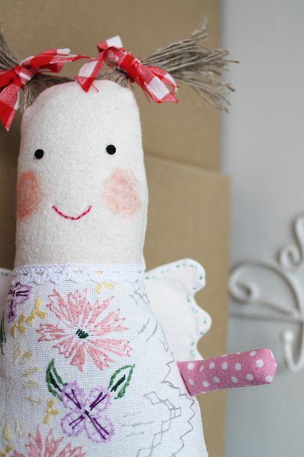 Preciosa muñeca de tela