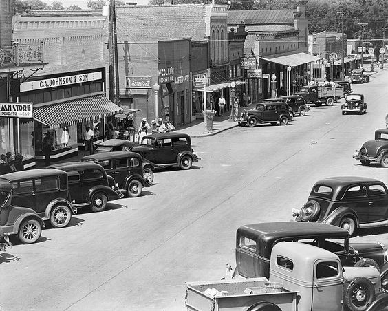 10 major events that happend in the 1930's in the United States?
