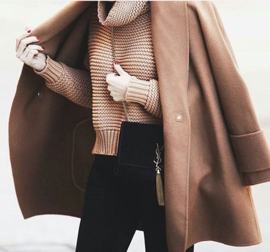 camel coat / camel sweater / black pants