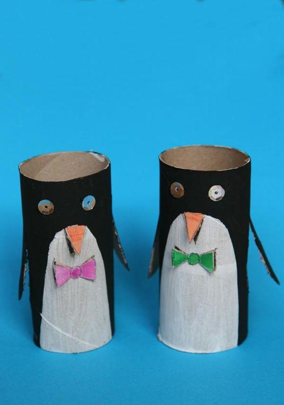 des pingouins avec des de papier toilette