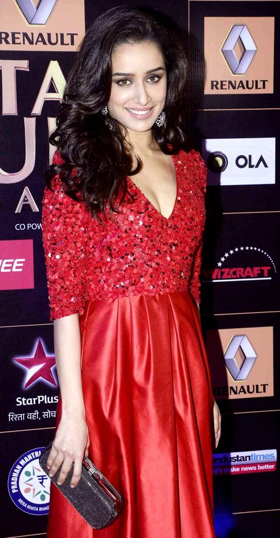 Shraddha Kapoor looks stunning in this red dress of hers. She is seen at an event. Hot Shraddha Kapoor, Sexy, Shraddha Kapoor,