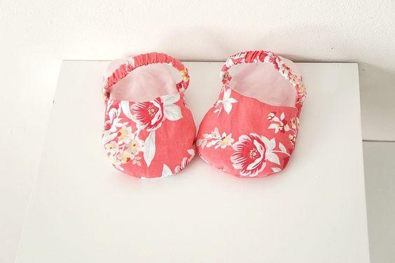 Chaussons sandales bébé fille rose et fleuri, 6-9 mois : Mode Bébé par hazaliwa