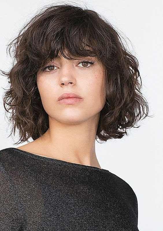 Short Wavy Hair With Side Bangs 2018 In 2019 Short Hair