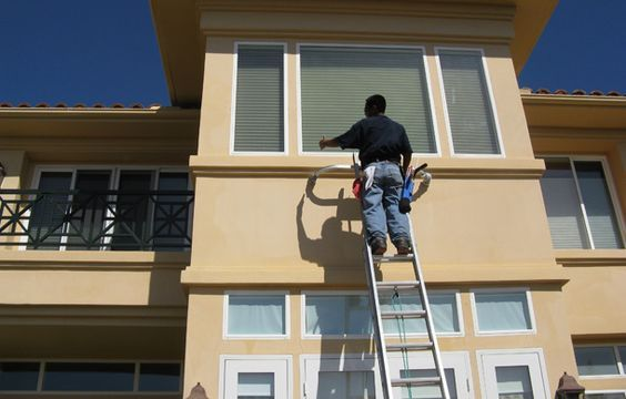 Window Washing And Cleaning Company Houston Is A Company That Has Services To Do What W Washing Windows Cleaning Companies Commercial Window Cleaning