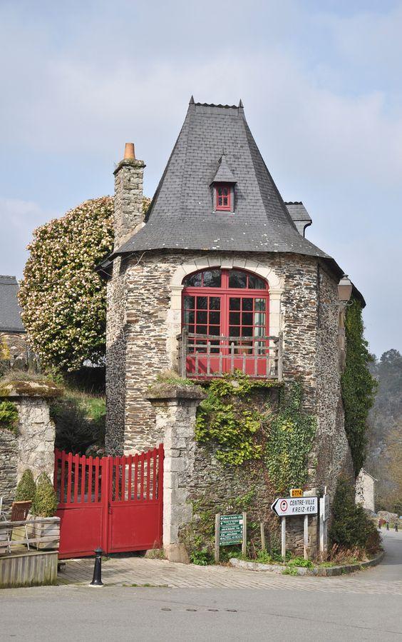 Rochefort-en-Terre, un des plus beaux villages de France (Morbihan, Bretagne). Charmante maisonnette