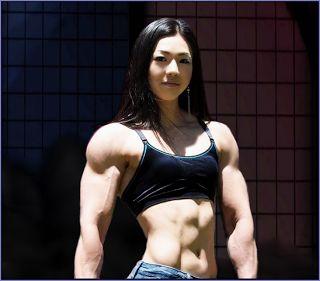 """""""Muscle Barbie Coréen"""" a Plus De Muscle Que Toi !"""