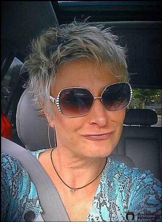2019 Kurze Frisuren Fur Altere Frauen Mit Dunnem Haar In 2020 Frisuren Kurze Graue Haare Kurzhaarfrisuren Fur Altere Frauen Schone Frisuren Kurze Haare