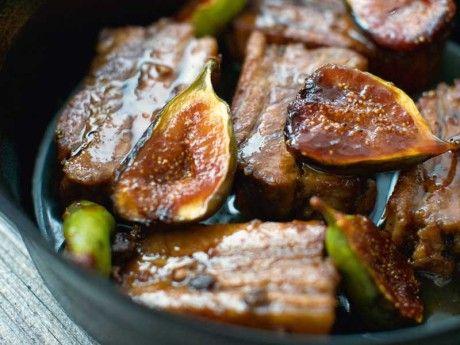 Revbensspjäll med karamelliserade fikon Receptbild - Allt om Mat