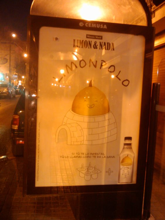 We discover AdLemons too in marquee bus stop! Is everywhere!