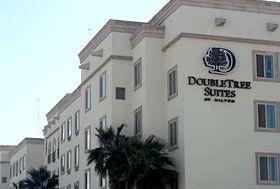 Hotel Doubletree Suites By Hilton Saltillo, Saltillo, Coahuila - A 4 min del aeropuerto y a 10 min de las plantas industriales.