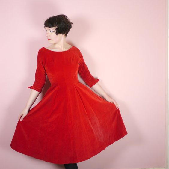 50s RED VELVET dress with full skirt and 3/4 sleeve - scoop neck - ROMANTIC full skirt - fit and flare Mid Century evening gown uk12 / M