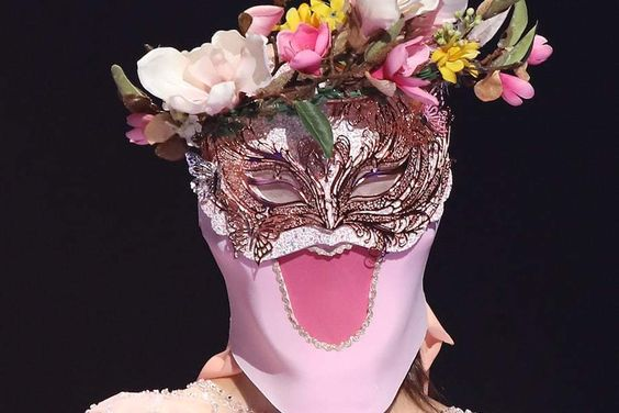 """Girl Group Member Captivates With Performances Perfect For Spring On """"The King Of Mask Singer"""""""