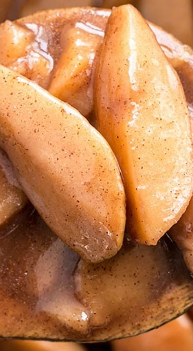 Slow Cooker Hot Buttered Apples
