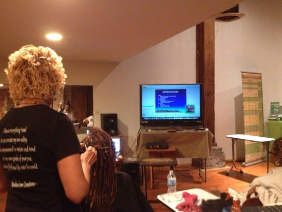 Sheila Everette- Hale teaching Theory of Natural Hair.