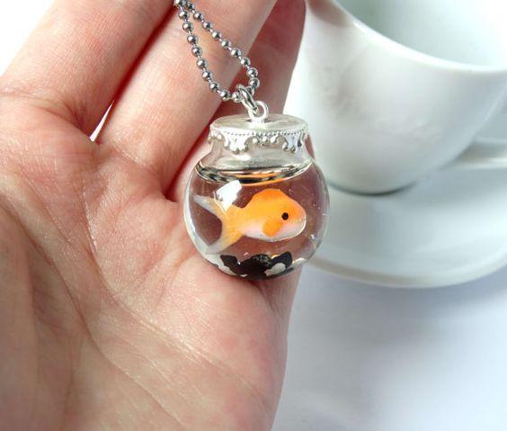 Collier de bocal poisson rouge orange à la par ShinyStuffCreations