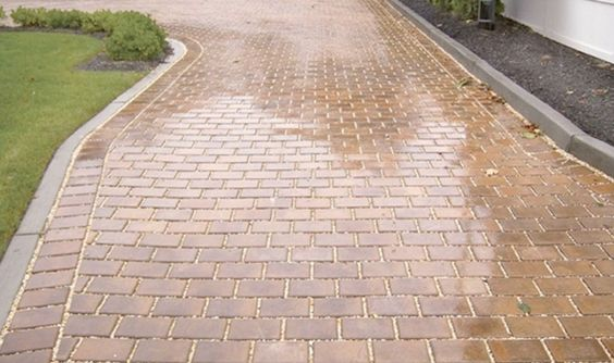 The Brick Pavers in Coral Springs are used for patios, walkways, pool decks and driveways.