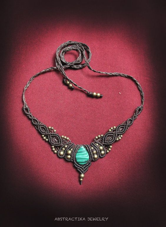 macrame necklace with malaquite gemstone. by AbstractikaCrafts