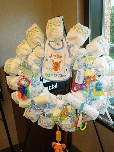 Diaper wreath homemade baby shower decoration - Click image to find more Kids Pinterest pins