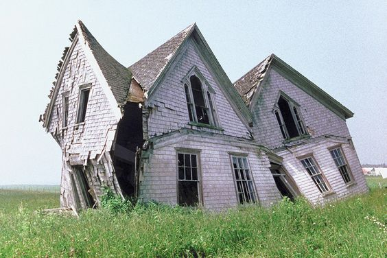 This warped house on Prince Edward Island: | 19 Terrifying But Gorgeous Abandoned Places In Canada