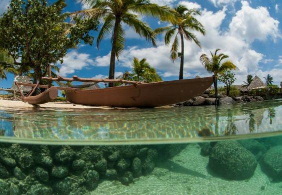 Tahitian beach underwater coral south reef | Пляж на Таїті і частина південного коралового рифу