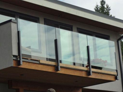 50 Incredible Glass Railing Design For Home Blacony 21 Hoommy Com Balcony Railing Design Glass Balcony Railing Design