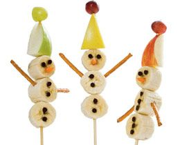 snowmen out of fruit...have also seen it with 3 white donuts. this...a little healthier!