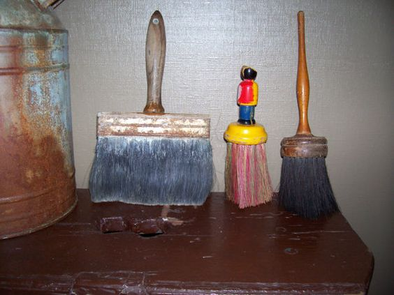 Instant Vintage Collection of brushes by trufflepigtreasures, $22.00