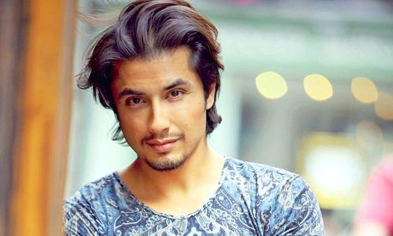 Men S Hairstyle By Zafar Weilheim In Oberbayern In 2020 Mens Hairstyles Actors Singer