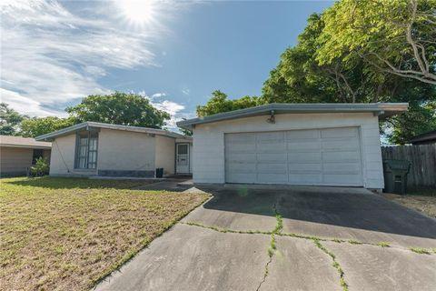 1409 Casa Grande Dr Corpus Christi Tx 78411 Home And Family Home Texas Homes
