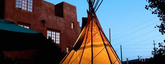 Enjoy our luxury Santa Fe hotel located in the heart of the Santa Fe Railyard District. Complimentary shuttle service to Historic Downtown from our Santa Fe lodging!