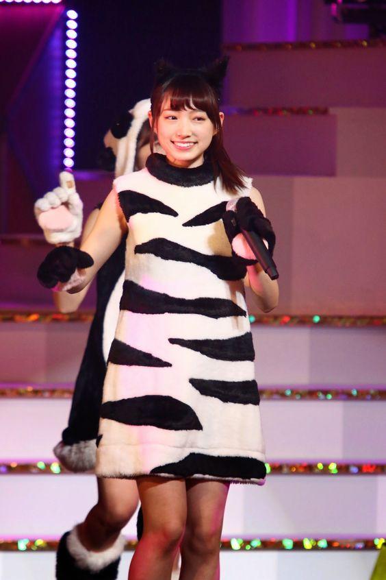 シマウマの衣装を着た太田夢莉