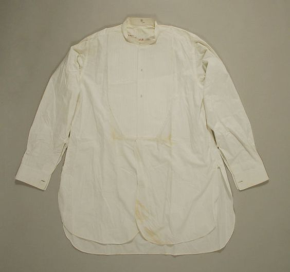 Evening shirtDate: 1910–30 Culture: French Medium: linen, cotton Dimensions: Length at CB: 37 in. (94 cm) Credit Line: Gift of Irma A. Bloomingdale, 1976 Accession Number: 1976.390.42 metmuseum.org