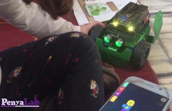 Programem el robot Q-scout per mostrar sentiments