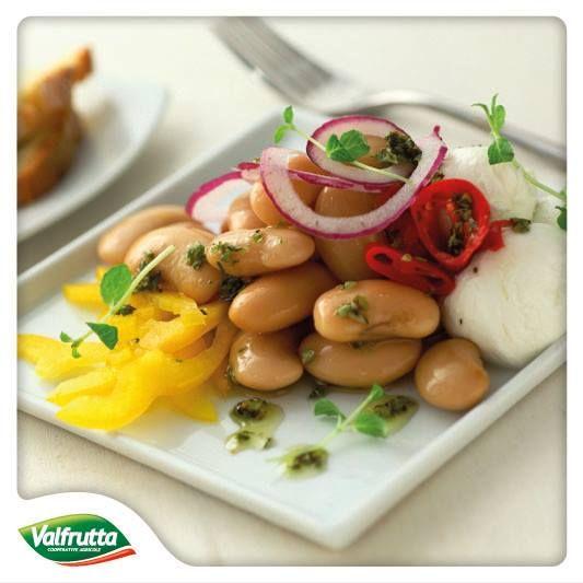 #Hola #amigos!  Conoscete i #BianchidiSpagna? Sono una varietà di #fagioli ottima per le #insalate, proprio come questa che ci suggerisce lo #Chef #Valfrutta:   http://www.valfrutta.it/ricette/insalata-di-bianchi-di-spagna-mozzarelline-e-pomodori-secchi  Buon appetito amici!
