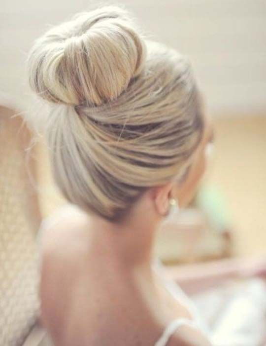 Blonde Bun Has Always Been Attractive Cleverstyling Bun Hairstyles Wedding Hairstyles Thick Hair Styles