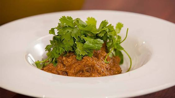 Recipe from Everyday Gourmet with Justine Schofield. Homemade beef rendang