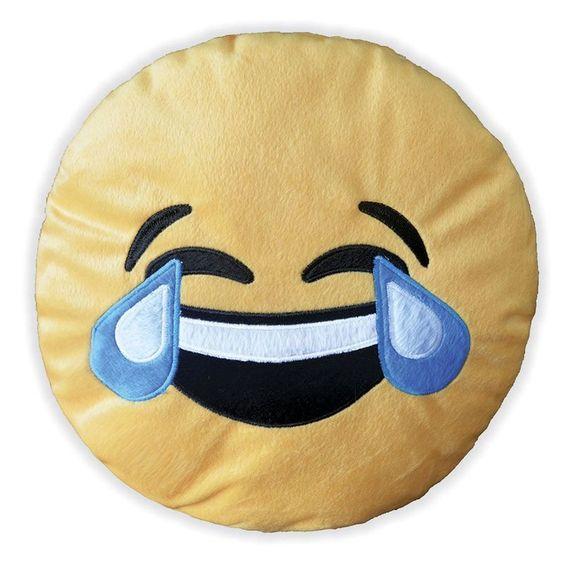 A Almofada Decorativa Whatsapp - Emoji Chorando De Rir é uma almofada super divertida e alegre! As carinhas do whatsapp são a sensação do momento, você precisa ter uma dessas na sua casa! Aproveite e adquira já a sua! Almofada Whatsapp Emoji!