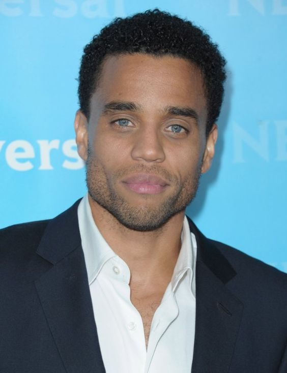 Michael Ealy <3 I rarely post pics of good looking men but my my my how I love this piece of man candy