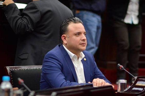 El coordinador del blanquiazul en el Congreso del Estado advirtió al Gobierno de Michoacán que es necesaria la austeridad en las dependencias para evitar agravar el déficit presupuestario en la ...