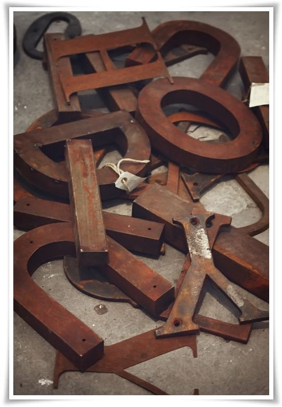 Rusted typography.... bliss