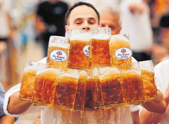 Рак вреба из чаше немачког пива - http://www.vaseljenska.com/wp-content/uploads/2016/03/pivo.jpg  - http://www.vaseljenska.com/drustvo/zdravlje/rak-vreba-iz-case-nemackog-piva/