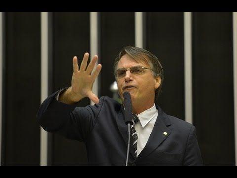 Bolsonaro denuncia igrejas vendidas ao PT