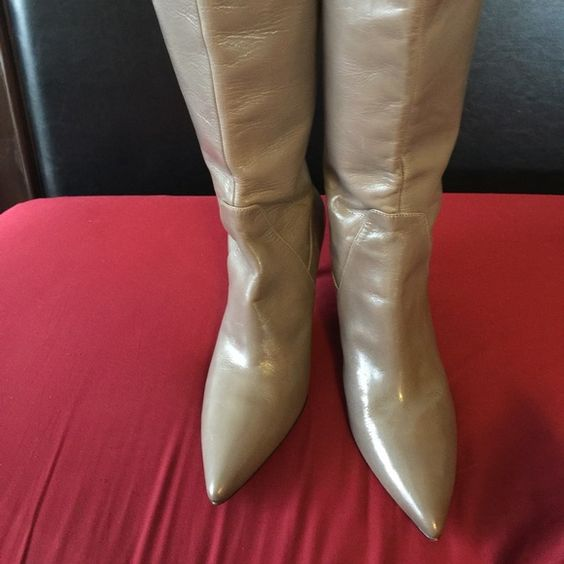 Nine West Women's Mayretta Knee Hi Boots Gray NEW Nine West Mayretta Gray Knee Hi Boot- Women's US 8 1/2 - Brand New w/tags. Leather Upper. Nine West Printed On Footbed. Lightly Cushioned Footbed. Zipper back closure. Retail $189 Nine West Shoes Heeled Boots