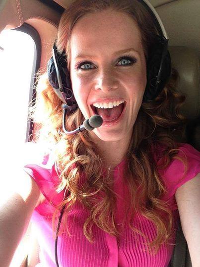 Rebecca passeia de helicóptero por São Paulo