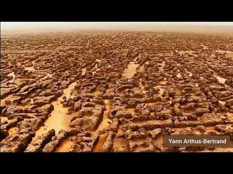 في الجزائر أكبر متحف في العالم أكثر من 15 ألف رسم ولوحة كهوف وممرات وساحات سيفار قطعة من المريخ Youtube Natural Landmarks Tourism World