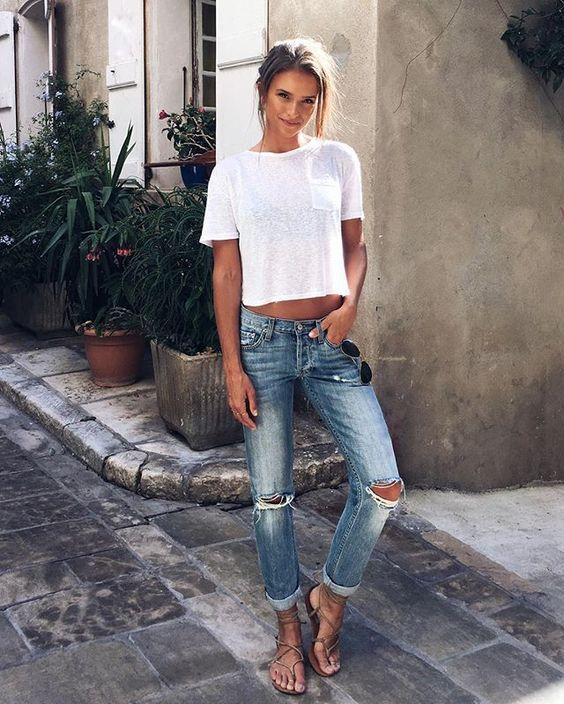 Casual Outfit Ideas for School and Everyday Jean and t shirt