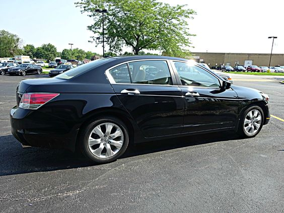 Used 2008 Honda Accord EX-L, Black. Napleton Autowerks Bourbonnais