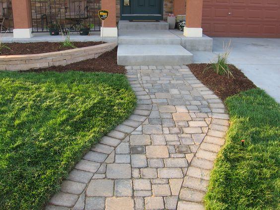 Camino de piedras caminos para jard n pinterest for Camino de piedras para jardin
